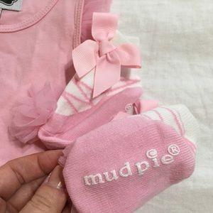 b3eff2d11 Mud Pie Dresses - NWOT Mud Pie - Pink Tutu Onesie & Socks Set
